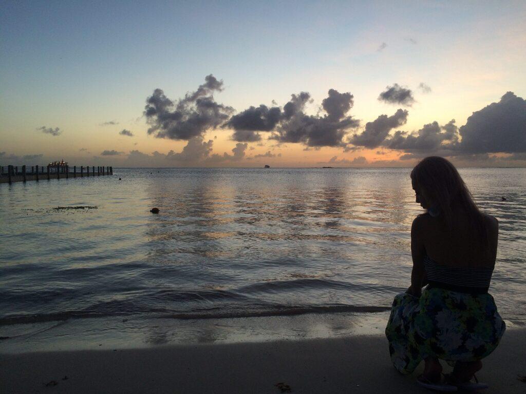 サイパンに海外旅行行った時にビーチで撮影した私の写真