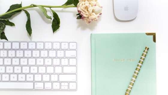 ノートとペンとキーボード