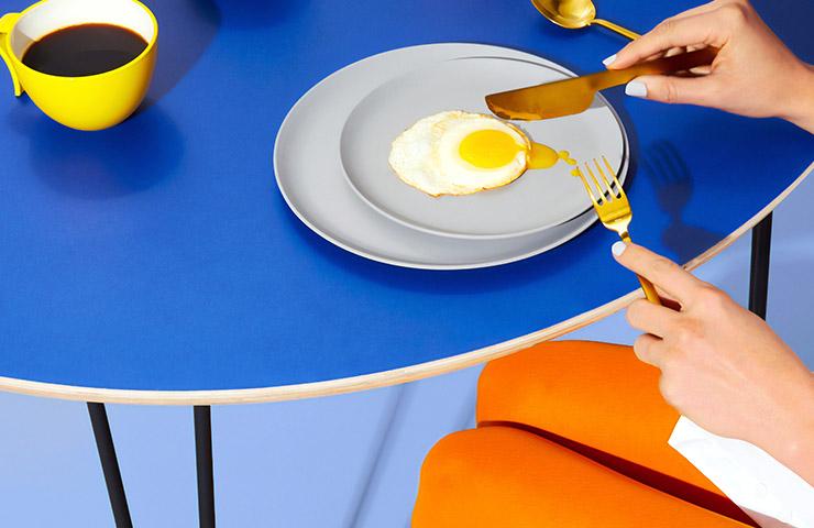 女性が食事をしている時の態度・振る舞い