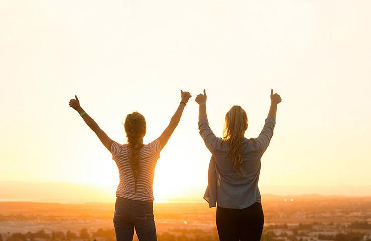 目的の達成に成功した女性たち