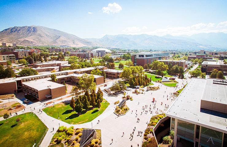 大学の敷地
