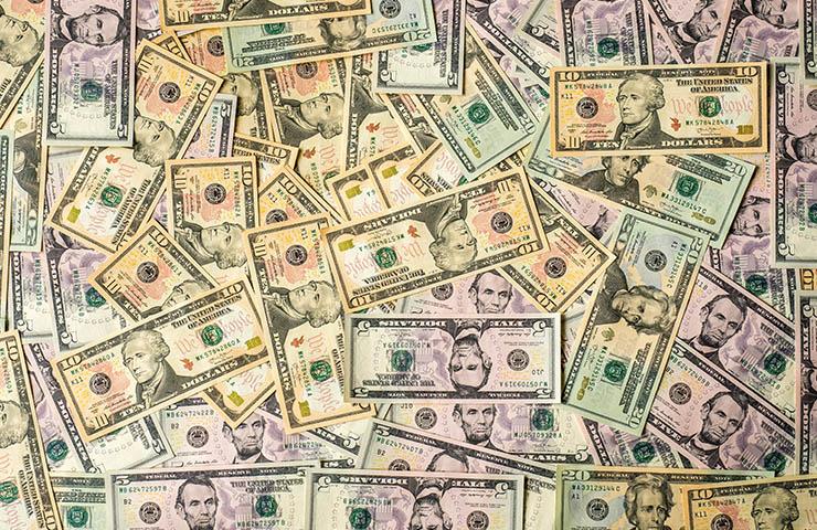 大量のドル札