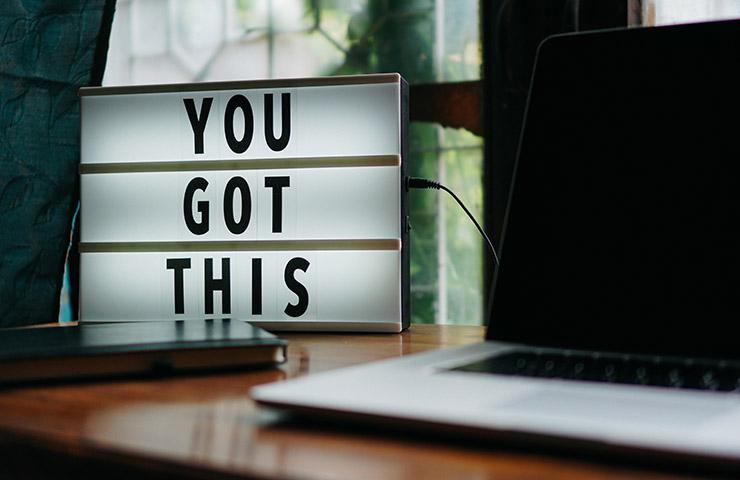 パソコンと「You got this」の文字