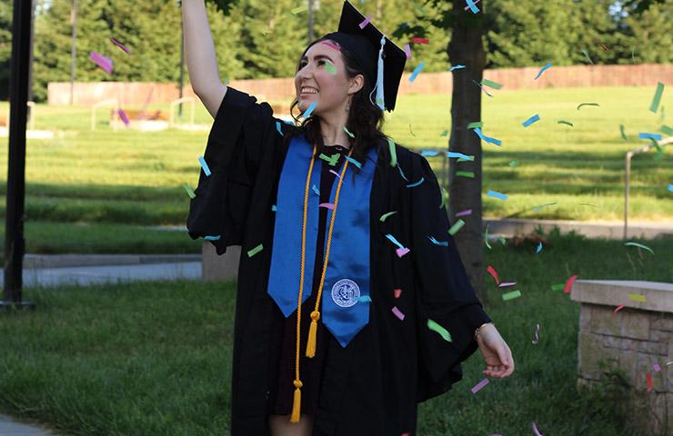 卒業式に出席後のHonor student